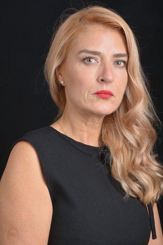 Emel Demirhan